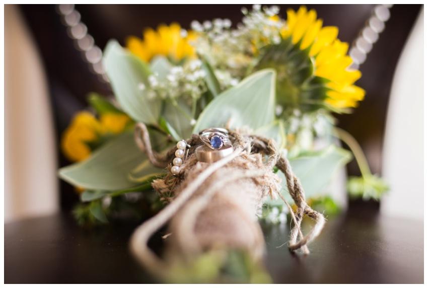 3-wedding-sunflower-bouquet