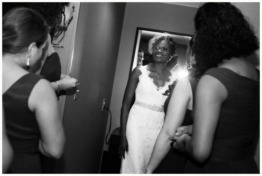 9.5_urbanrowphoto_bride_getting_ready