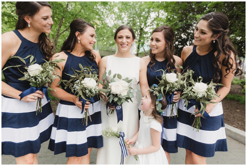 urban-row-photography-baltimore-wedding-navy-bridesmaids-dresses_0017